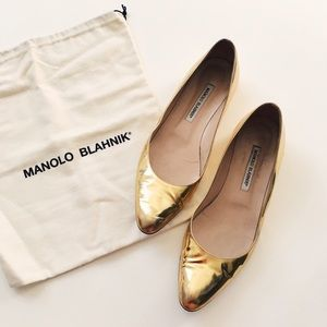 Manolo Blahnik Shoes - Gold Manolo Blahnik Flats