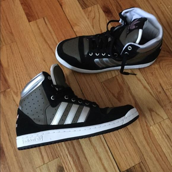 Le adidas nwot scarpe da ginnastica alte dimensioni 95 poshmark