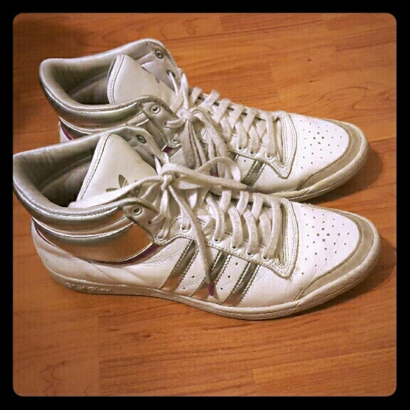 Sleek Series Sneakers