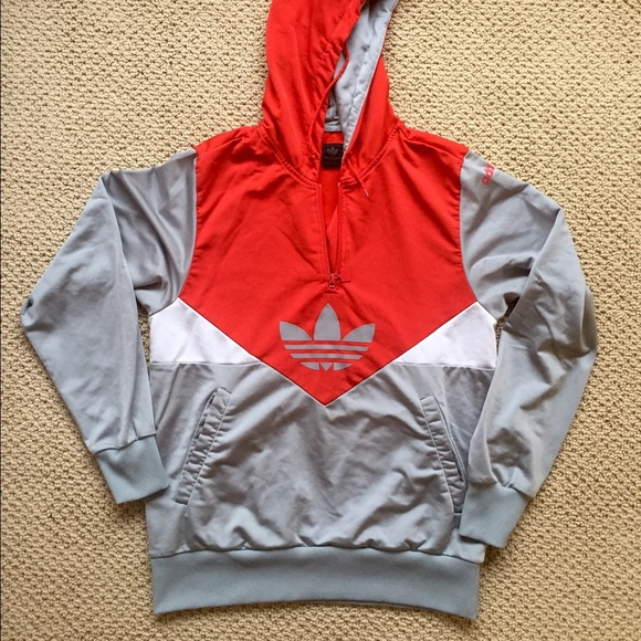 Old School Adidas Pull Over