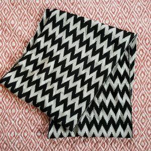 Accessories - DONATED Chevron scarf