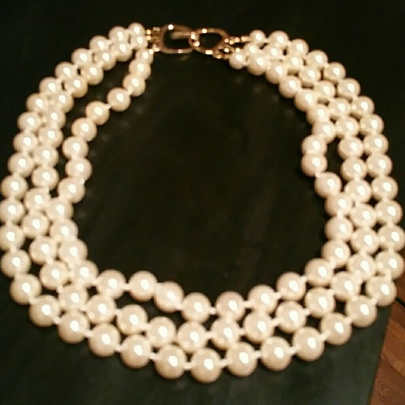 Jewelry - Reduxed FAUX pearl necklace