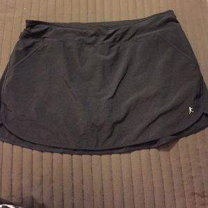 Danskin Now Pants - Black semi fitted skort