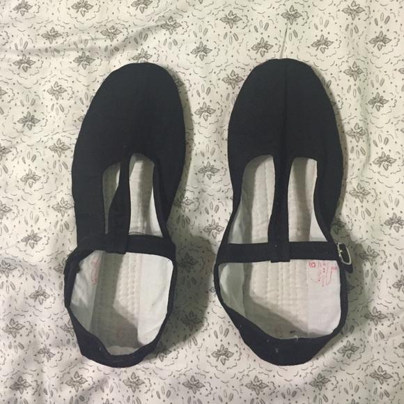 Hao Yu Shoes - Black T-Strap Mary Jane Flats
