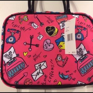 Betsey Johnson - Betsey Johnson Makeup Bag from Cait\'s closet on ...