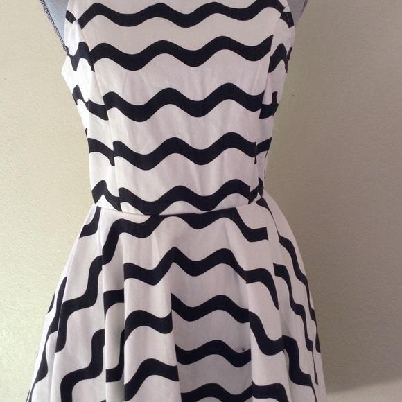 Signature 8 white dress