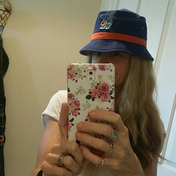 3cef5060be6 Gator Florida Bucket Hat. M 56d5c2ce13302a066301300e