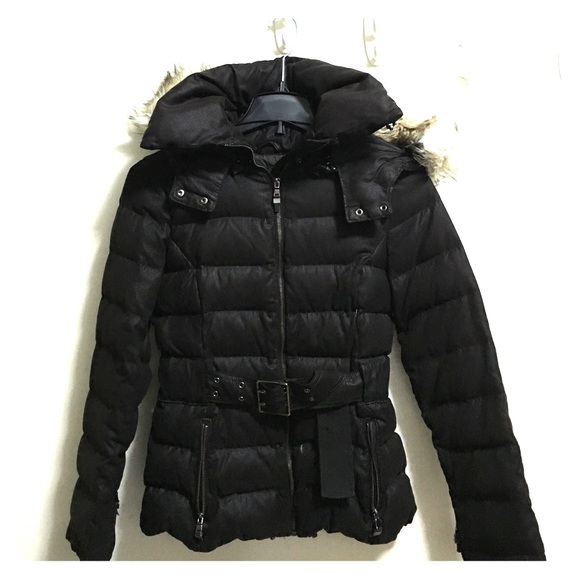 fe504be00c5e ZARA Woman Down Jacket with removable fur hood. M 56afcddbafcd0e171f01c90d