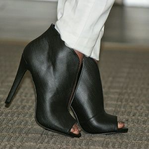 just fab Shoes - Booties worn once