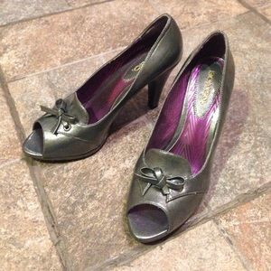 Supercute Bongo heels!