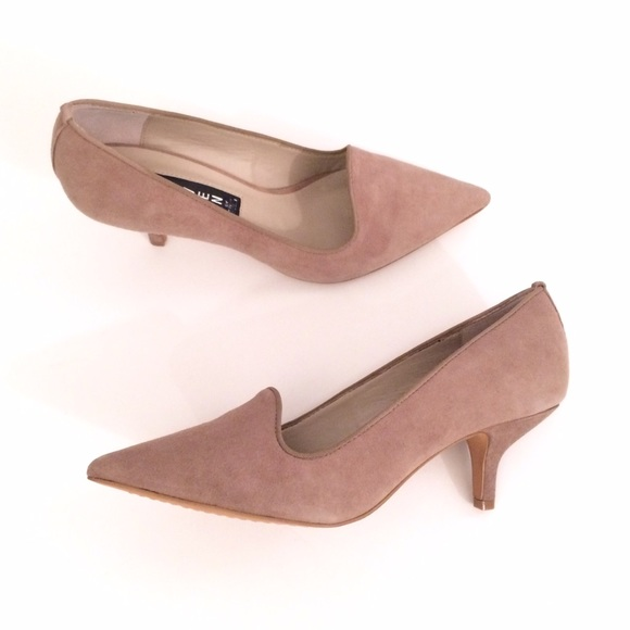 81% off Steve Madden Shoes - Steve Madden Nude Taupe Suede Kitten ...