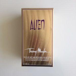 Le Alien With Nwt Thierry Mugler Gold Perfume Bracelet 3R5jc4AqLS