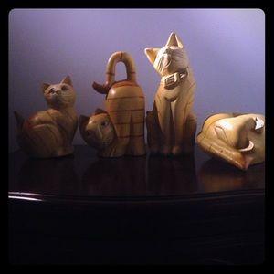 4 Kawaii cats 