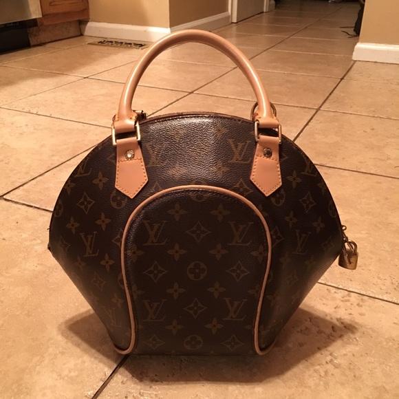 125c84b34043 Louis Vuitton Handbags - Bowling ball shaped bag