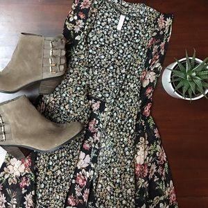Xhilaration Tops - Xhilaration boho floral vest