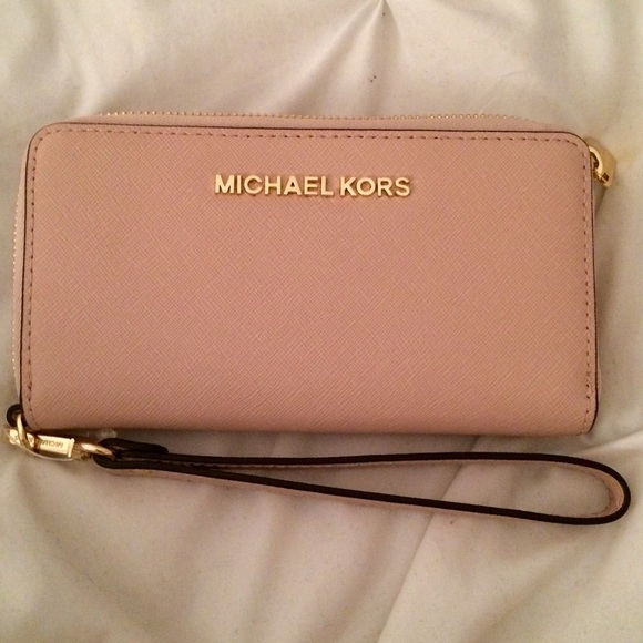 Michael Kors Handbags - Brand New Michael Kors Wallet