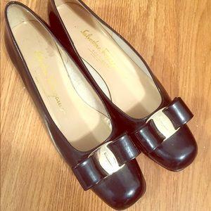 Authentic ferragamo bow shoes -6.5