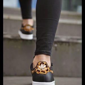 le adidas originali di stan smith poshmark donna leopardo nero