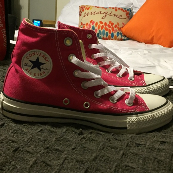 67 off converse shoes pink high top converse from emily