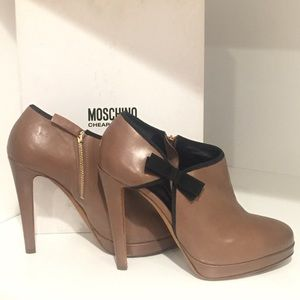 NEW Moschino Cheap & Chic Bow Booties