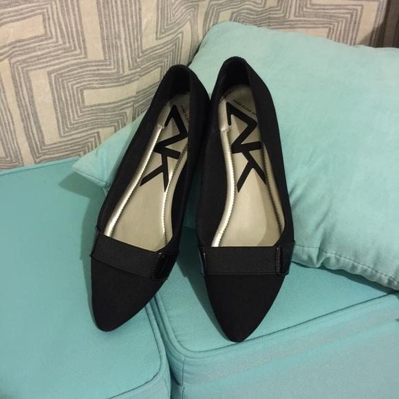 44d5d939fdb Anne Klein Shoes - Anne Klein black flats pointed