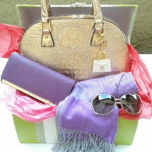 Handbags - Sassy Valentine Bundle