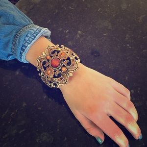 Jewelry - Beautiful cuff bracelet