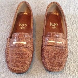 Brown alligator print loafers