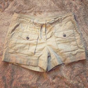LOFT size 2 Khaki Linen Shorts