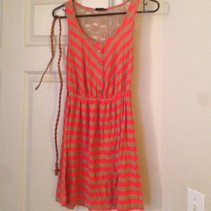 Urban Outfitters Jersey dress with belt