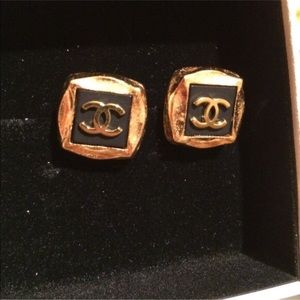 Final Price‼️Authentic Chanel CC Clip on earrings