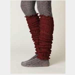 Free People Pucker Crochet Leg Warmers in Berry