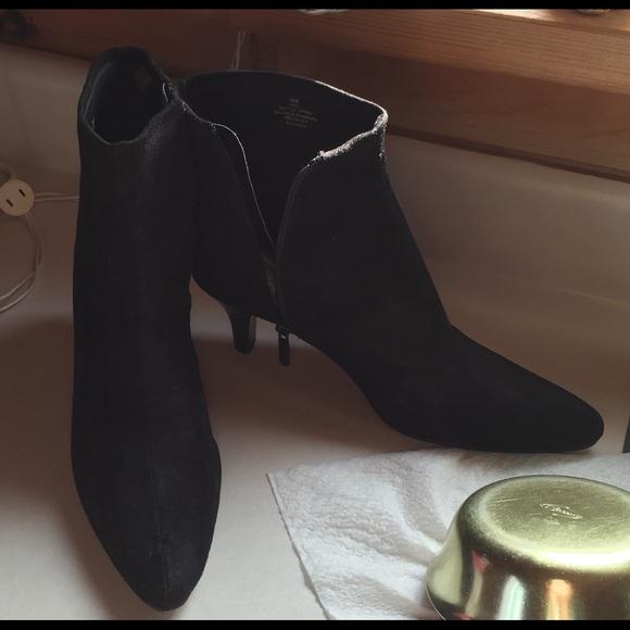 611bdbe27dbd3 OMPO Stretch Black ankle boots kitten heels size 9.  M_56ba953a522b4533e300f371