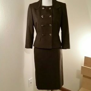 EUC Sz 2 Antonio Melanie Brown suit. BEAUTIFUL!