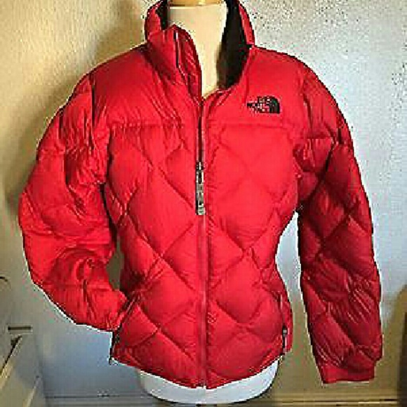 020493a33 North Face Red puffer jacket