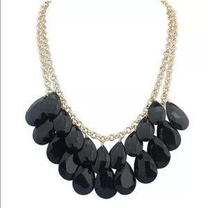 Jewelry - Black/gold statement necklace