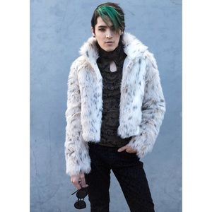 Snow Leopard Faux Fur Coat Cozy Luxurious Soft🆕