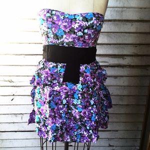 Paradis Miss Dresses & Skirts - Easy Breezy Summer Multi Tier Tubal Dress!