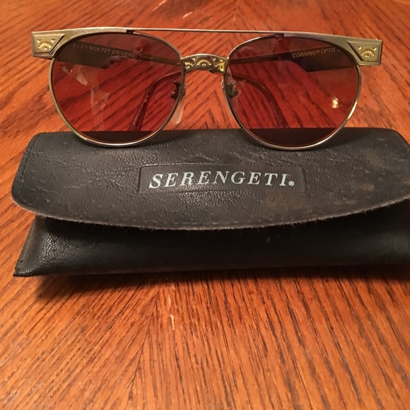 10c2846b149e SALE🎉🍾😍Serengeti Western Vintage sunglasses. M_56b2a2b813302aa6be0033a3