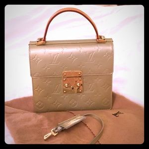 % auth Louis Vuitton Vernis spring street bag