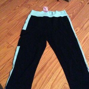 Pants - Capri Exercise Leggings