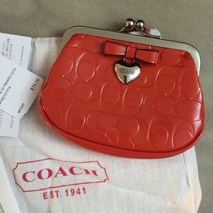$35 NEW COACH Kisslock Coin Purse