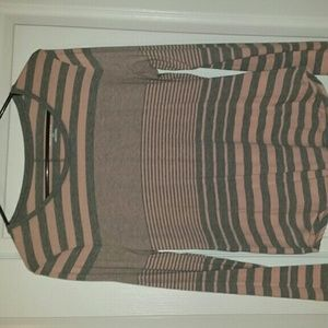 Long sleeve t shirt ..fits medium