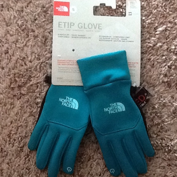 1a4400cfe North Face ETip Gloves in Teal NWT