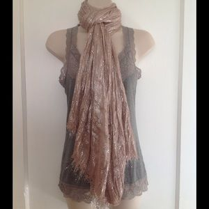 Accessories - 💕Beautiful Metallic Scarf!