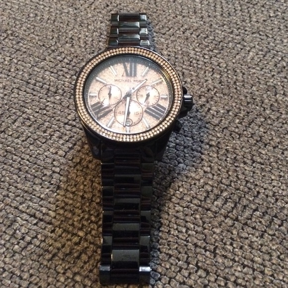68f43921da446 Michael kors MK 5879 Watch. M 56b39901c6c795b45500568c