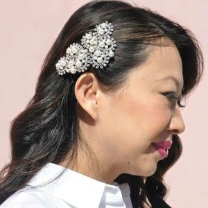 Prom Crystal and pearl Hair Accessory comb