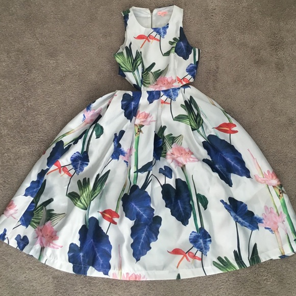 Lulu's Dresses & Skirts - Floral midi dress