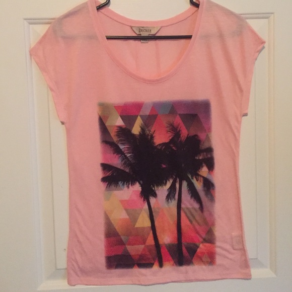 Short sleeve T-shirt. Size extra small woman