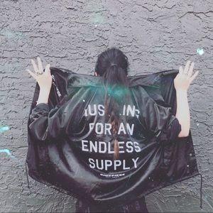 meet your seller, Megan ⚔️